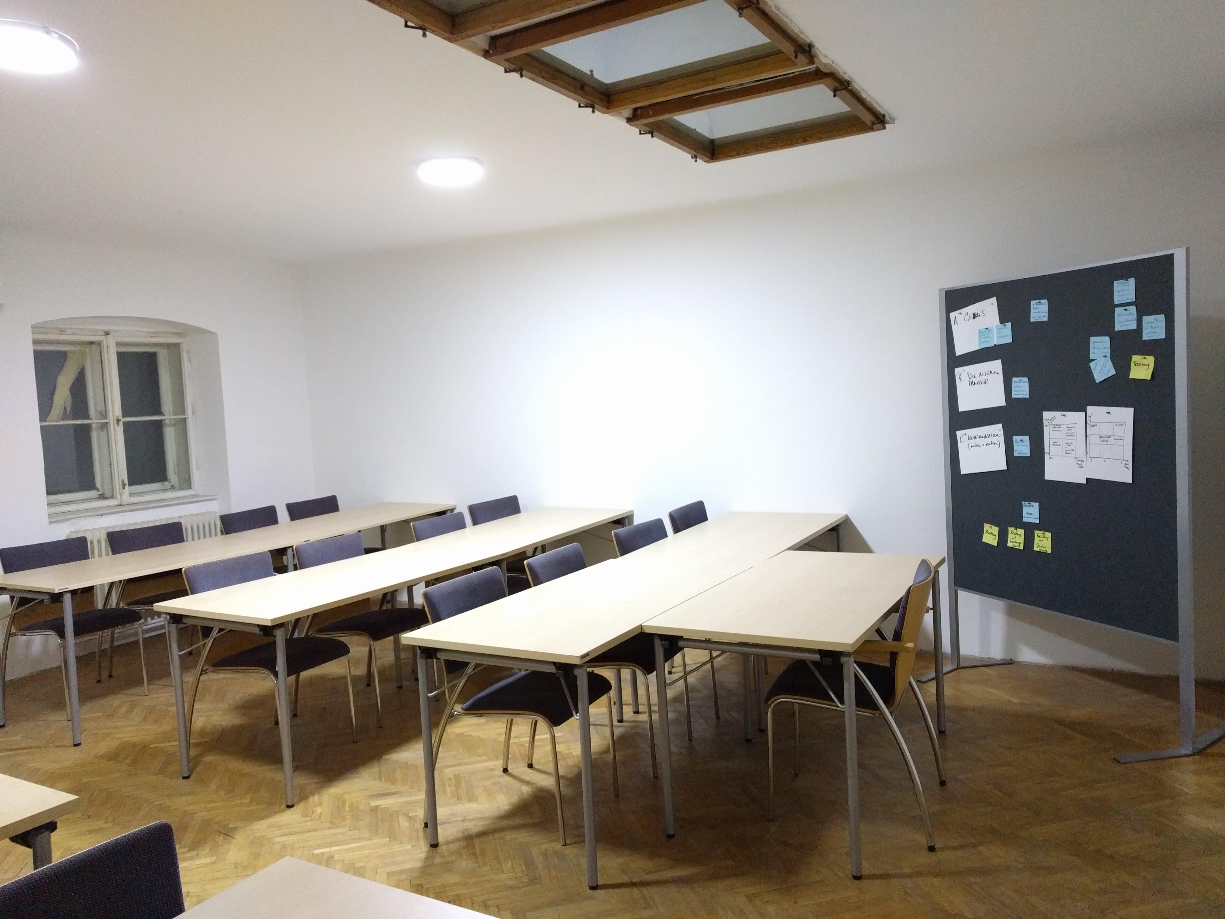 SeminarraumGroß_Frontal1