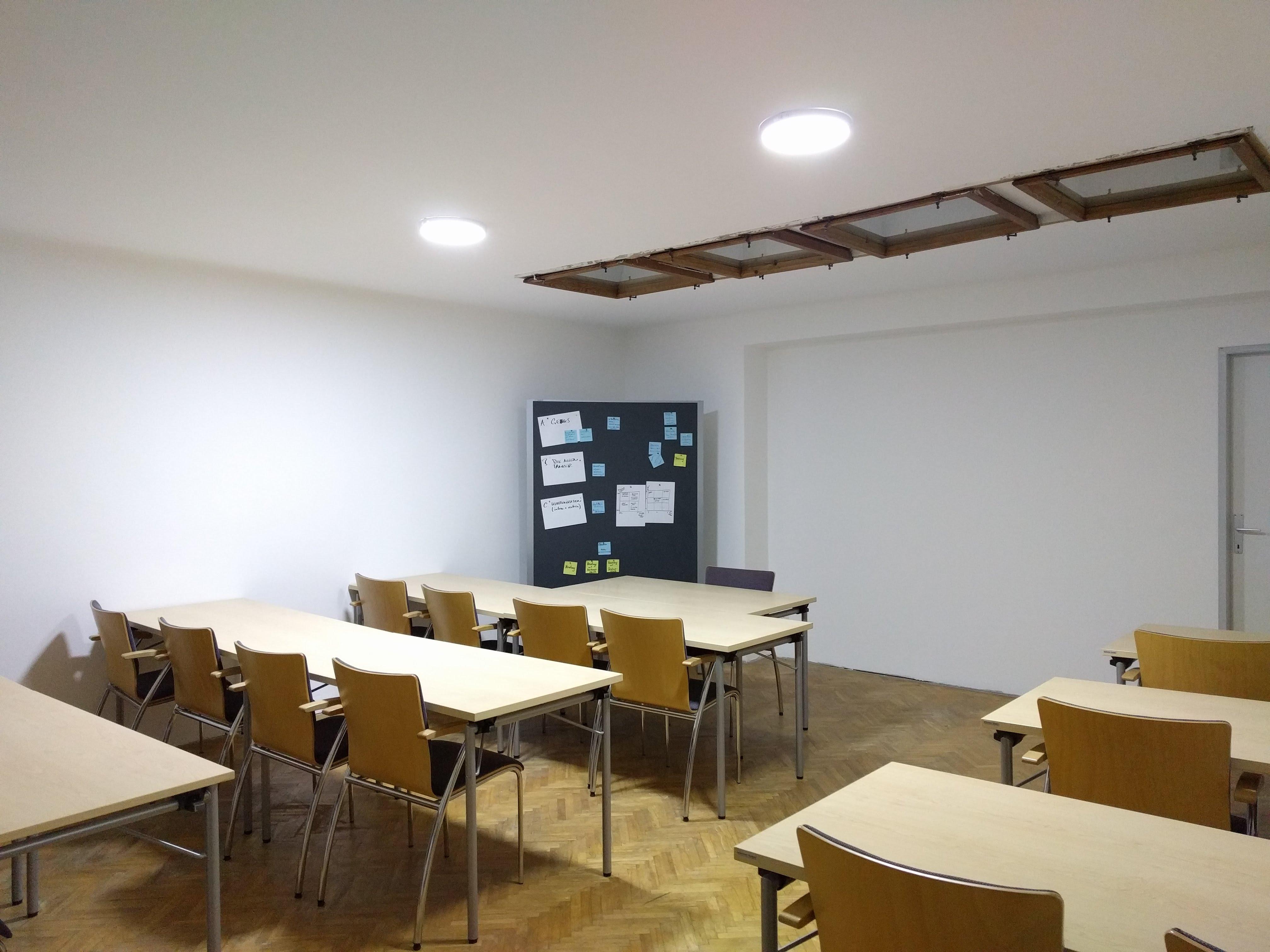 SeminarraumGroß_Frontal2