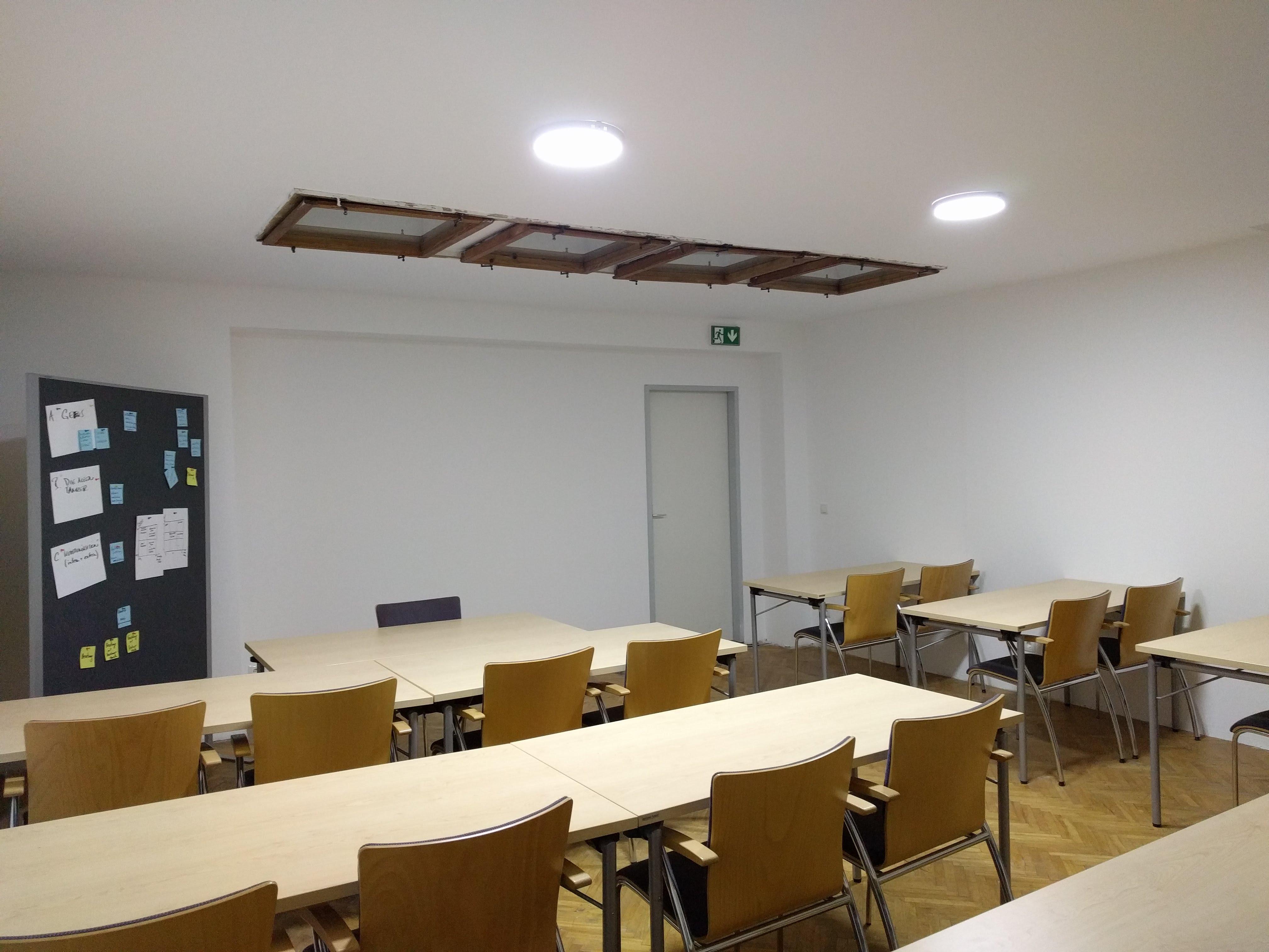 SeminarraumGroß_Frontal3