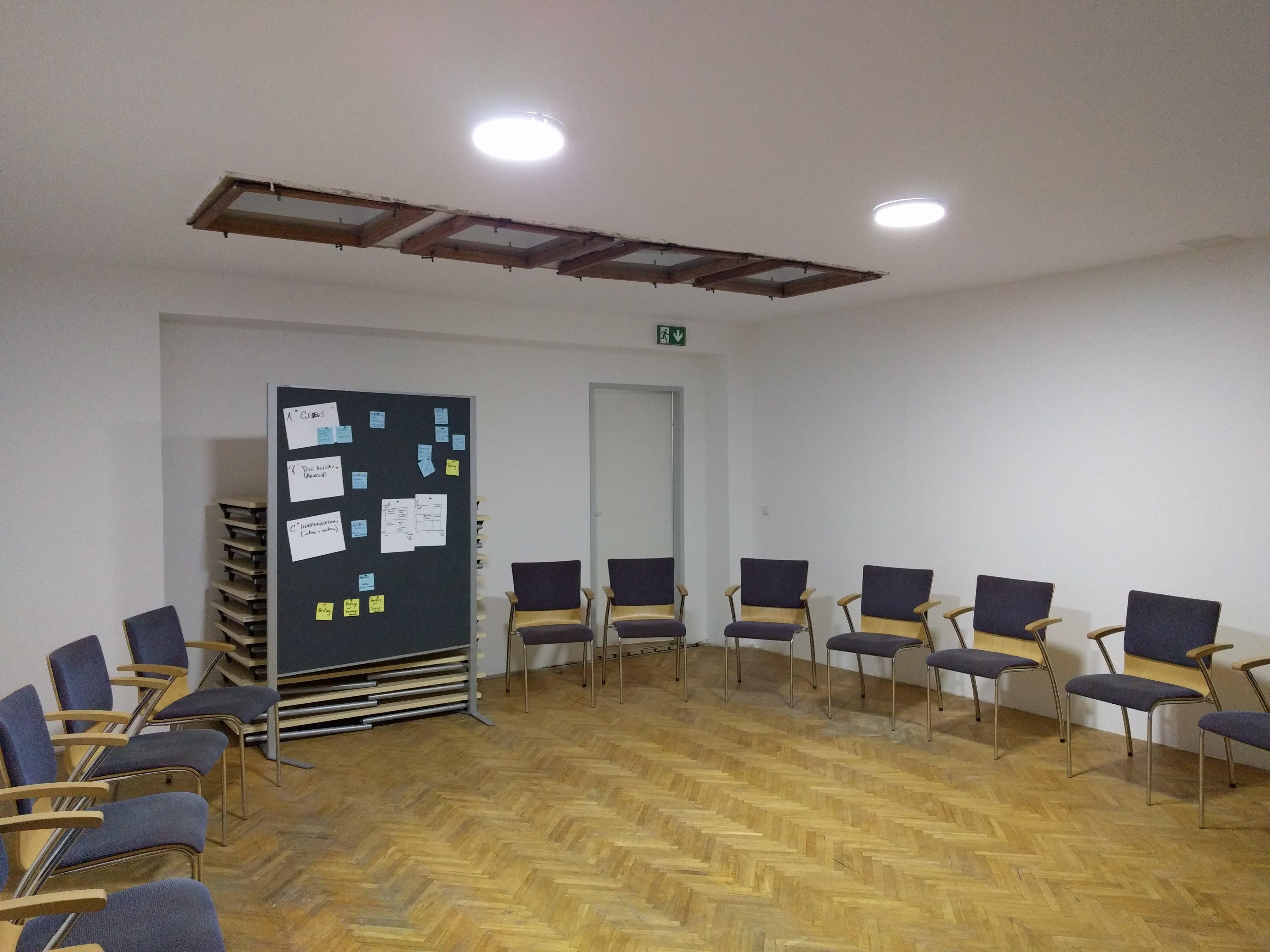 SeminarraumGroß_Sesselkreis3