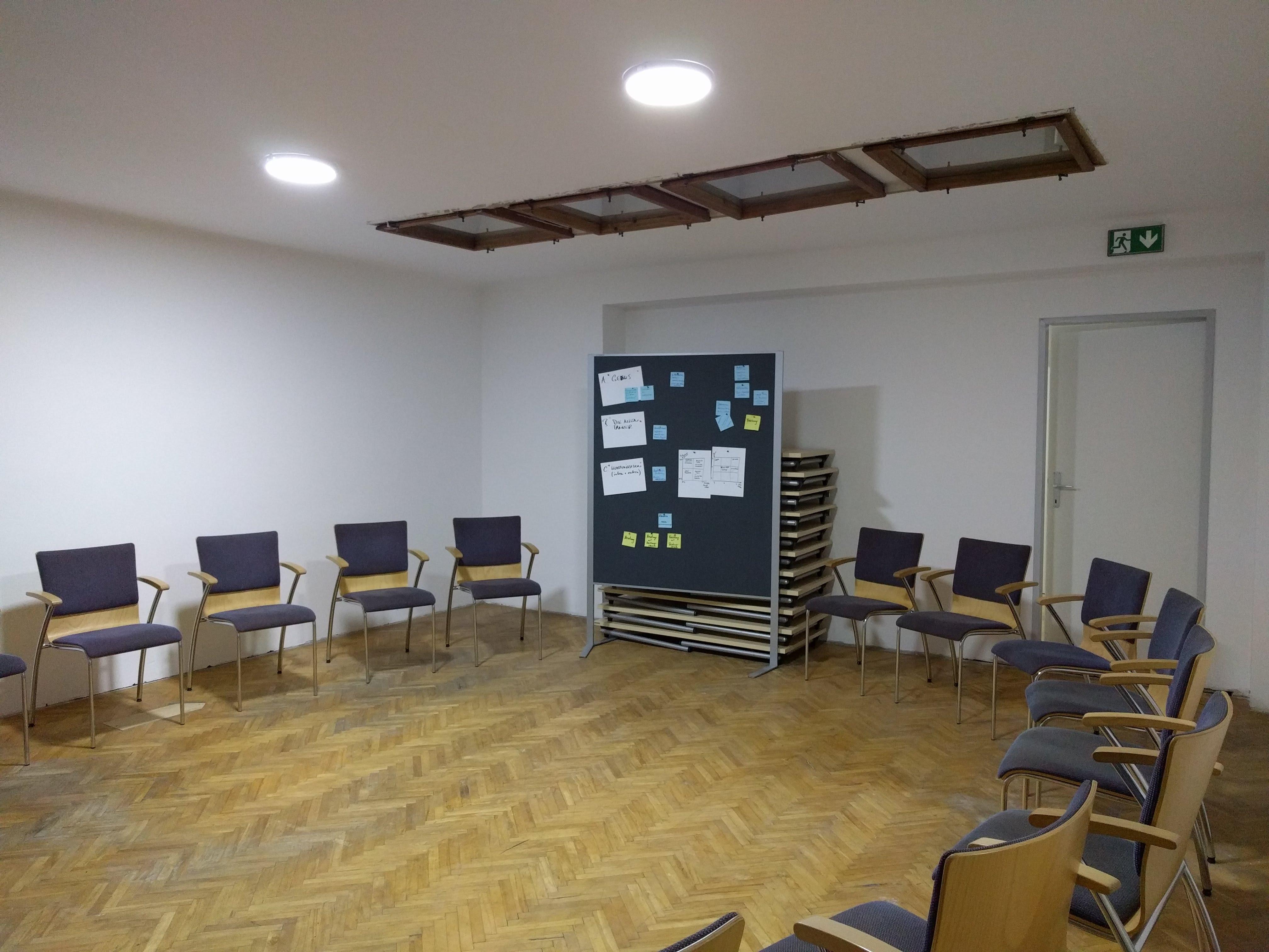 SeminarraumGroß_Sesselkreis5